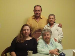 con mi tia Lola y mi primo Ramón