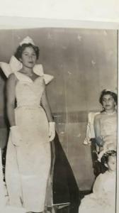 1955 mi prima fue reina y yo su paje